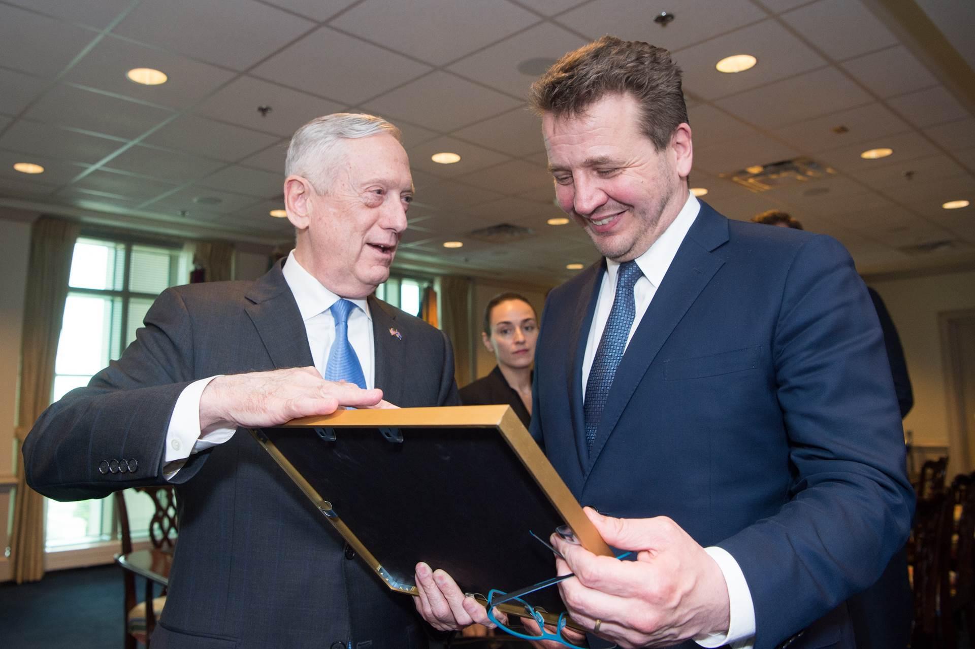 Jim Mattis og Guðlaugur Þór í Pentagon í dag